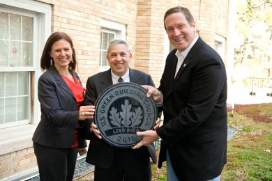 Rick Fedrizzi, President, CEO and Founding Chairman of the U.S. Green Building Council (USGBC) (right) with Kristie Mahoney, director of facilities (FACS) and Alan Mathios, dean of Human Ecology (HUMEC).